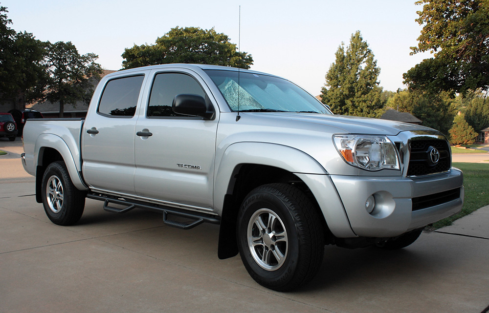 recommendation truck buying toyota tacoma vs tundra. Black Bedroom Furniture Sets. Home Design Ideas